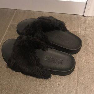 PINK Victoria Secret black slippers Size M/L